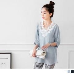 0621新品 花蕾絲V領寬下擺縮袖口上衣.3色