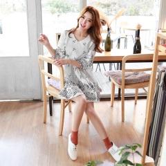0606新品 素雅碎花造型七分袖V領高腰寬鬆洋裝