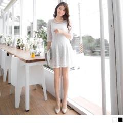 0524新品 公主線素色雕花布蕾絲珍珠點綴五分袖洋裝.2色