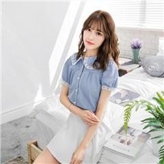 【春夏斷碼♥2件55折】浪漫蕾絲花領淺藍仿牛仔布襯衫