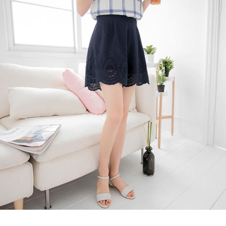 素色打褶雕花造型寬鬆短褲裙