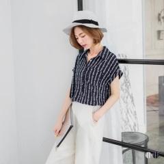 【春夏斷碼♥2件55折】雪紡圈圈直紋印花半開襟反褶釦短袖襯衫.2色