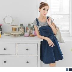 0921新品 牛仔單口袋排釦傘襬吊帶短裙.2色