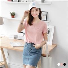 【春夏斷碼♥2件55折】素色微笑刺繡造型圓領短袖T恤.3色