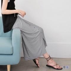 橫條紋舒適彈性排釦腰鬆緊開衩長裙.2色