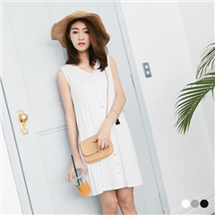 素面前排釦圓領背心洋裝.3色