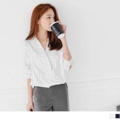 條紋印花交叉V領長版襯衫.2色