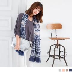 幾何菱形色彩印花襬抽鬚圍巾.4色