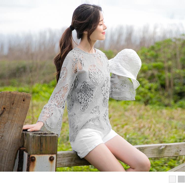 典雅鏤空雕花蕾絲拼接荷葉袖圓領上衣