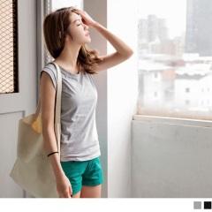 0412新品 高棉量純色合身寬肩背心.2色