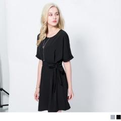 0420新品 雪紡垂墜感腰打褶綁帶圓領反褶短袖洋裝.2色