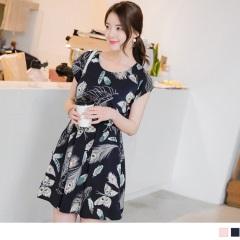 0615新品 民族風繽紛羽葉印花縮腰連袖洋裝.2色