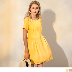 0417新品 素色雪紡垂墜感打褶圓領短袖洋裝.2色