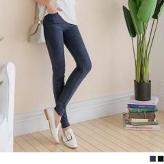 0622新品 鬆緊腰頭開釦設計仿牛仔水洗質感彈力窄管褲.2色