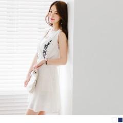 0609新品 刺繡圖案交叉V領口造型腰圍鬆緊無袖洋裝.2色