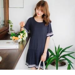0623新品 白條紋滾邊百褶裙襬純色雪紡洋裝