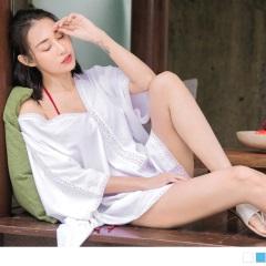 0512新品 V領蕾絲雕花寬鬆側開衩長版防曬罩衫‧2色