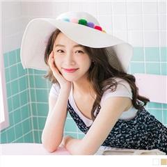 0608新品 彩色毛球造型大圓帽延草帽.2色