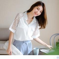 0523新品 素色拼接鏤空蕾絲袖雙口袋造型雪紡襯衫.2色