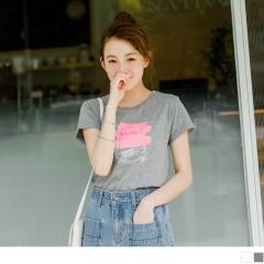 【周末限定♥現折100】台灣製造.手繪球鞋英文字燙印袖反折上衣.2色