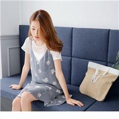 直條紋綴花朵圖案V領口魚尾裙襬細肩帶洋裝