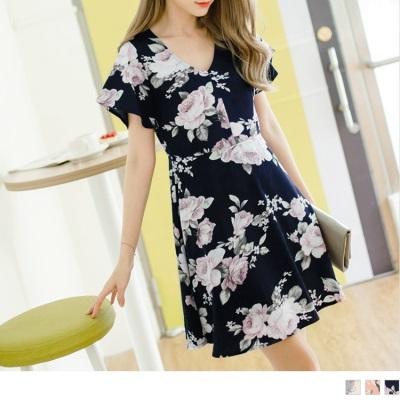 0623新品 滿版浪漫花朵圖案V領口喇叭袖傘襬洋裝.3色