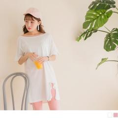 0727新品 純色高含棉拼接荷葉袖衣襬滾邊開衩寬領長版上衣.2色