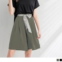 0713新品 素色雪紡付彩色綁帶打褶五分褲.2色