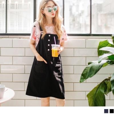 0629新品 率性高含棉雙口袋設計後背裙襬開叉休閒牛仔吊帶裙.2色