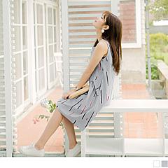 0809新品 繽紛直條圖案拼接抓皺傘襬造型高含棉無袖洋裝.2色