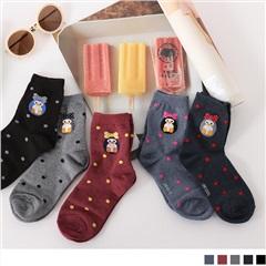 0609新品 【特價款】韓國可愛企鵝綴點點圖案短筒襪.5色