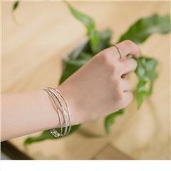 0710新品 【特價款】精緻麻花編織質感光澤三層手環