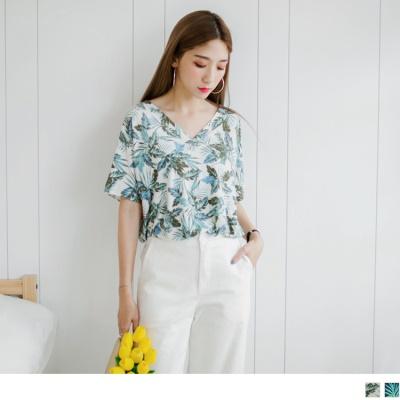0728新品 滿版繽紛花朵圖案V領口連袖彈性長版上衣.2色