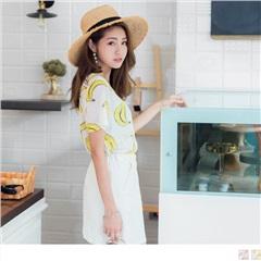 【周末限定♥現折100】香蕉/西瓜手繪印圖前短後長層次透膚質感上衣.2色