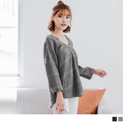 【新品免運】高含棉車線格紋前後V領口五分袖上衣.2色