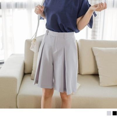 0728新品 質感純色打褶造型修身五分褲.2色
