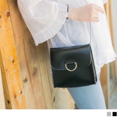 0726新品【特價款】金屬鍊條純色圓環造型仿皮正方小包.3色