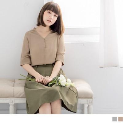 【新品折20】V領金屬圓釦五分袖雪紡上衣‧2色