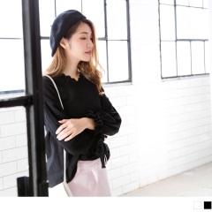 0922新品 領口綴雕花蕾絲縮口綁帶袖寬鬆素色上衣.2色