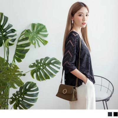 【新品免運】素面蕾絲雕花設計圓領五分袖上衣.2色