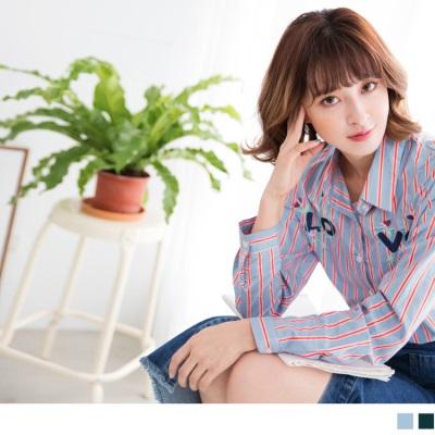 1006新品 胸前英文花朵刺繡配色直條紋襯衫