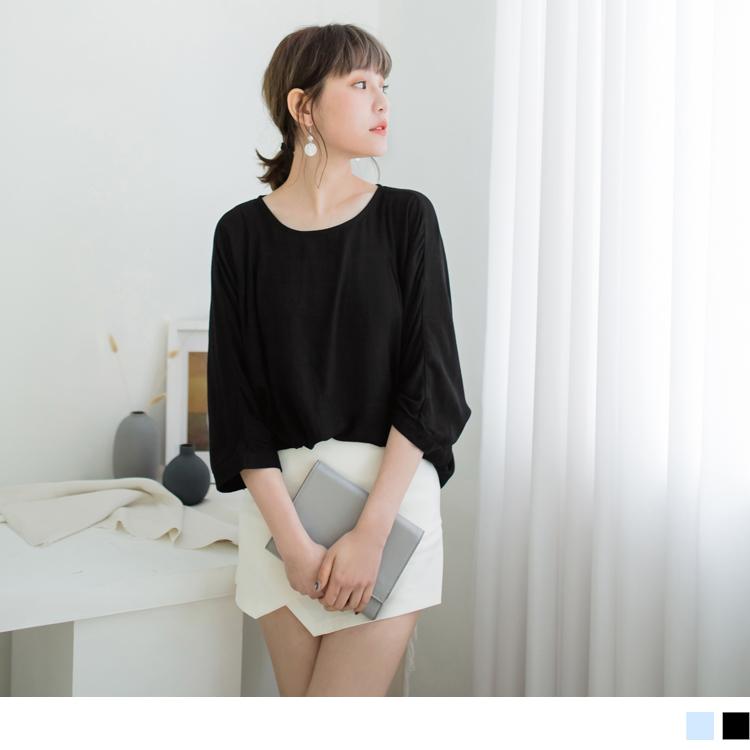 簡約柔軟平織布後釦飛鼠袖上衣