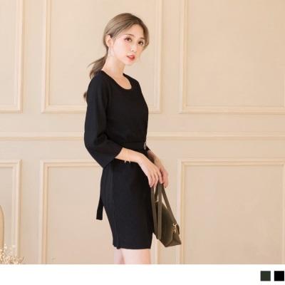 0925新品 附腰帶素色坑條七分袖洋裝