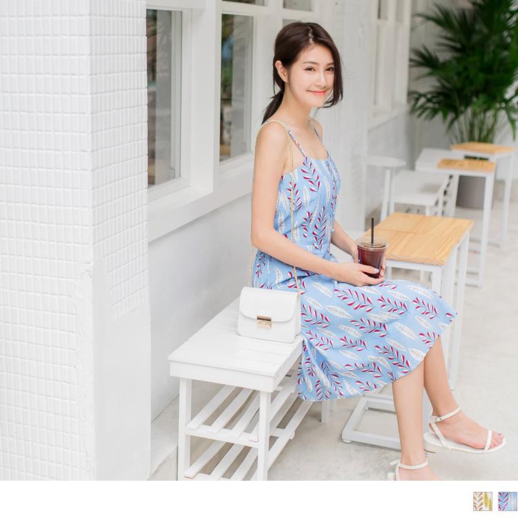 造型排釦滿版樹葉印花細肩帶洋裝