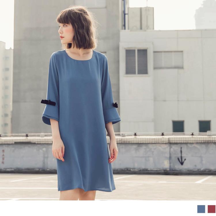 純色不易皺雙層喇叭袖綴蝴蝶結洋裝