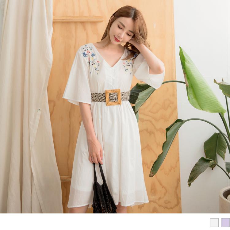 高含棉肩刺繡布蕾絲拼接腰綁帶傘襬洋裝