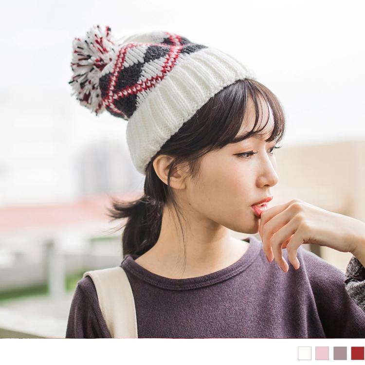 内刷毛菱形格纹毛球毛帽