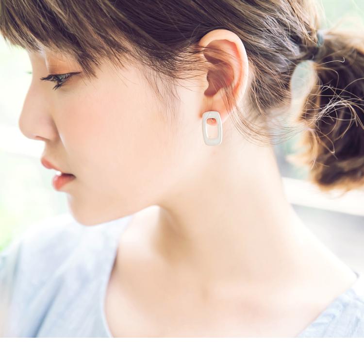 简约质感镂空方块耳环