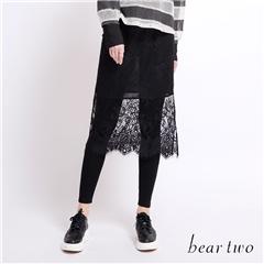 beartwo 鏤空蕾絲緹花假兩件內搭褲裙(黑色)