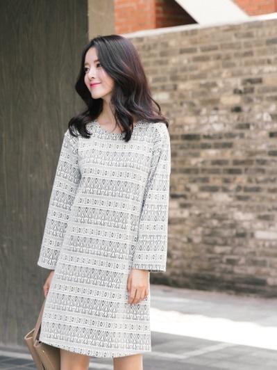 滿版幾何圖形七分袖洋裝